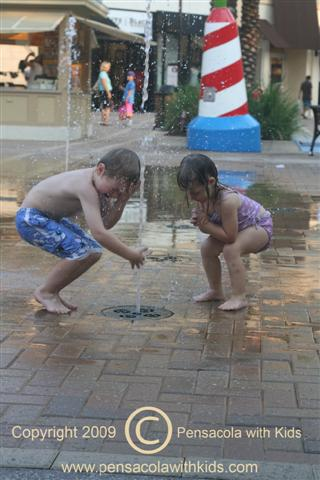 Destin Commons Pop Fountains (Splash Pad) – Destin, Florida