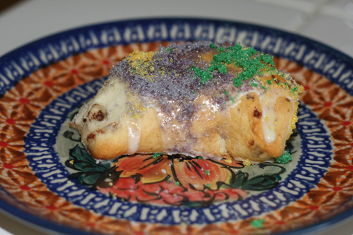 How to Make an Easy Mardi Gras King Cake
